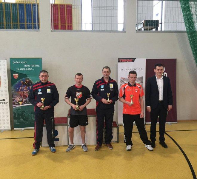 Antoni Biedziuk srebrny medal i Mariusz Matejek brązowy medal w klasie 9