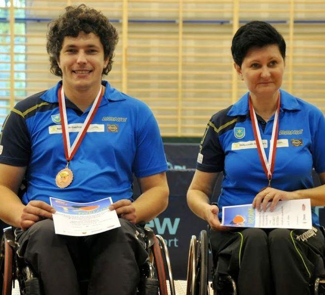Brązowy medal mikst Janusz Chamot Emilia Kotarska w klasie 1-3 (wózki)