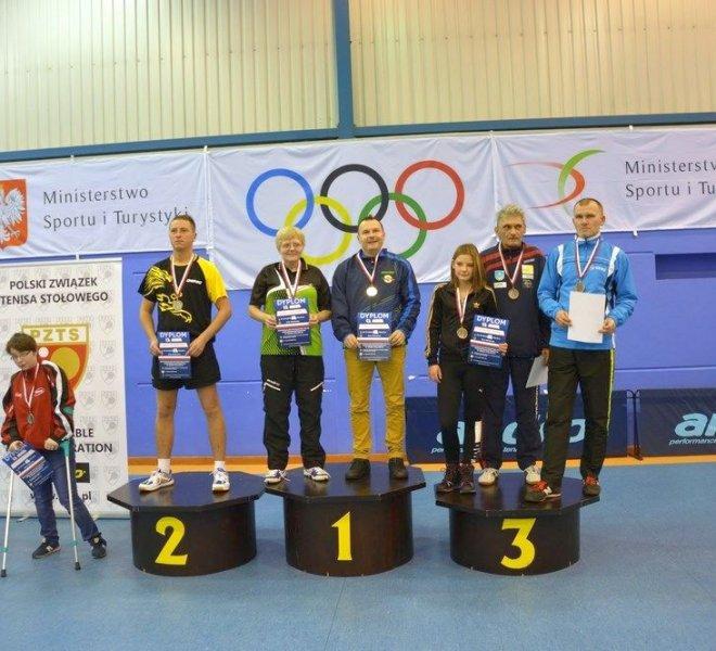 Jerzy ZAJDEL Magdalena KLOSKOWSKA klasa 11 - brązowy medal w mikście