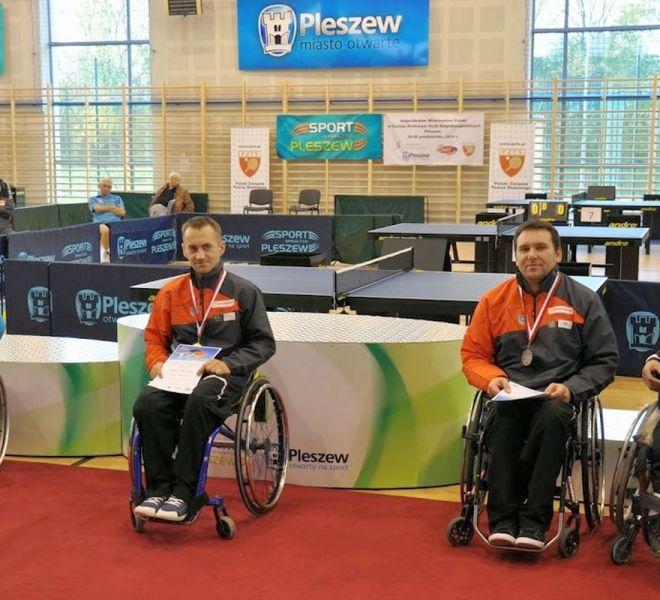 Mistrz Polski Maciej Nalepka w klasie 4 (wózki) i brązowy medal Krzysztof Żyłka,