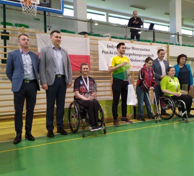 """Emilia Kotarska Wicemistrzyni Polski w singlu kobiet """"wózki"""" klasa 1-5"""