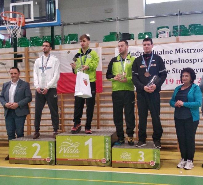 Paweł Mazuryk brązowy medal w singlu klasa 8