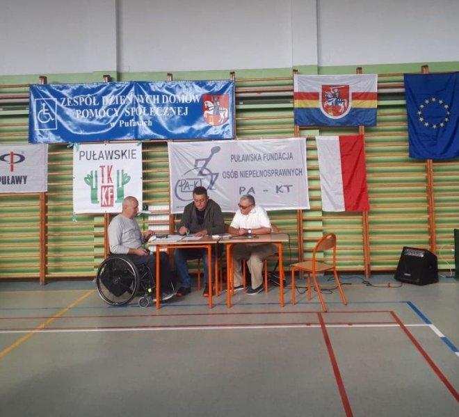 organizator Tadeusz Kiernicki i sędziowie główni