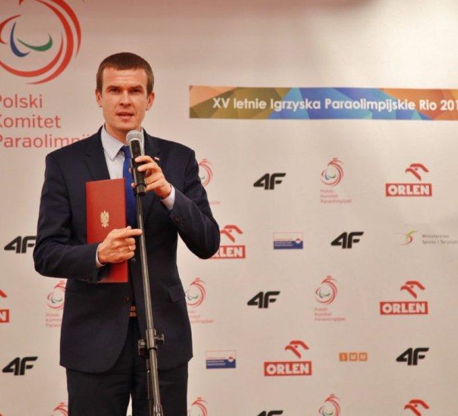 Ministra Sportu Witold Bańka 1200